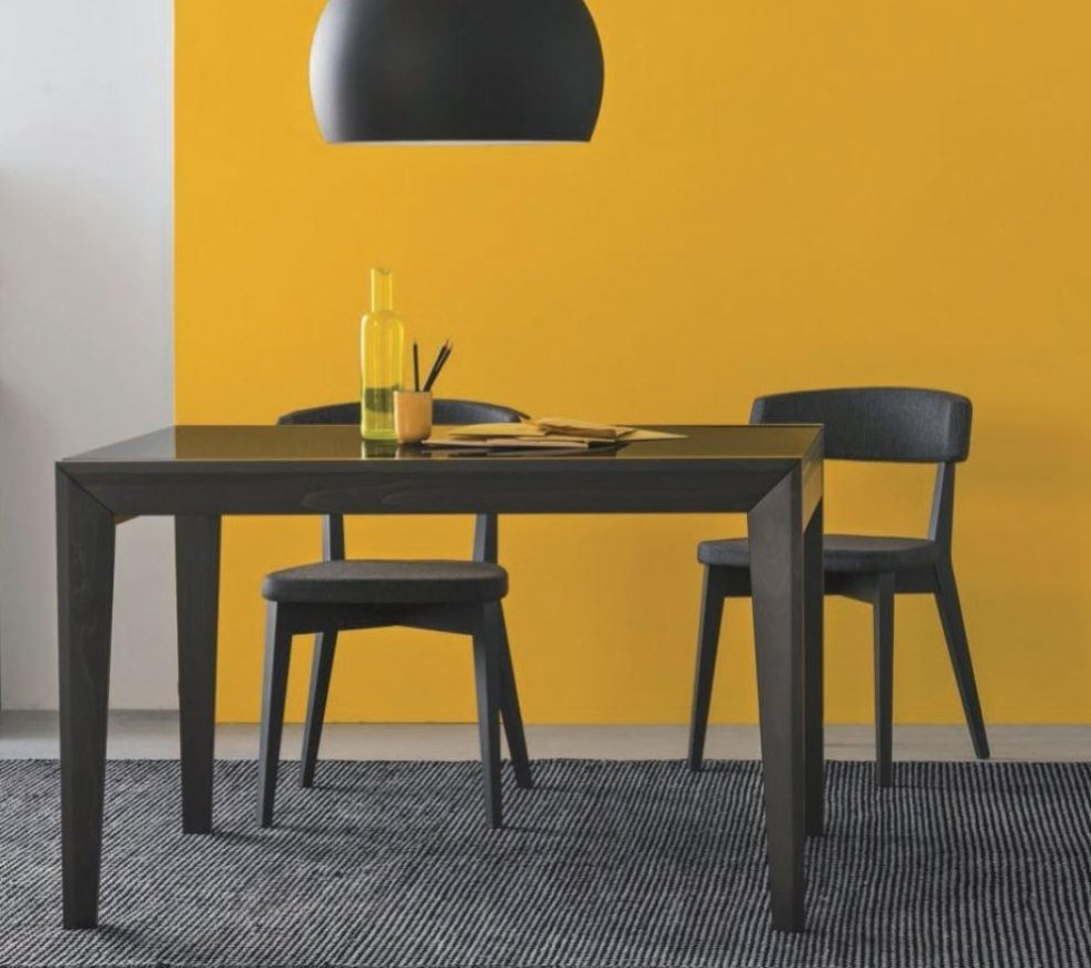 Vendita sedie e tavoli arredamenti moderni e classici for Sedie in vendita