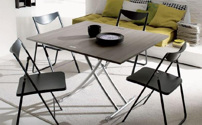 Vendita sedie e tavoli arredamenti moderni e classici for Tavoli vendita