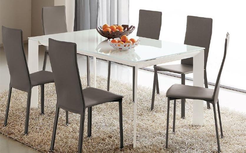 Vendita sedie e tavoli arredamenti moderni e classici for Vendita tavoli