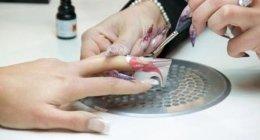 trattamento mani, ricostruzione unghie, applicazione smalto