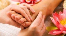 trattamento piedi, salone di bellezza, manicure e pedicure