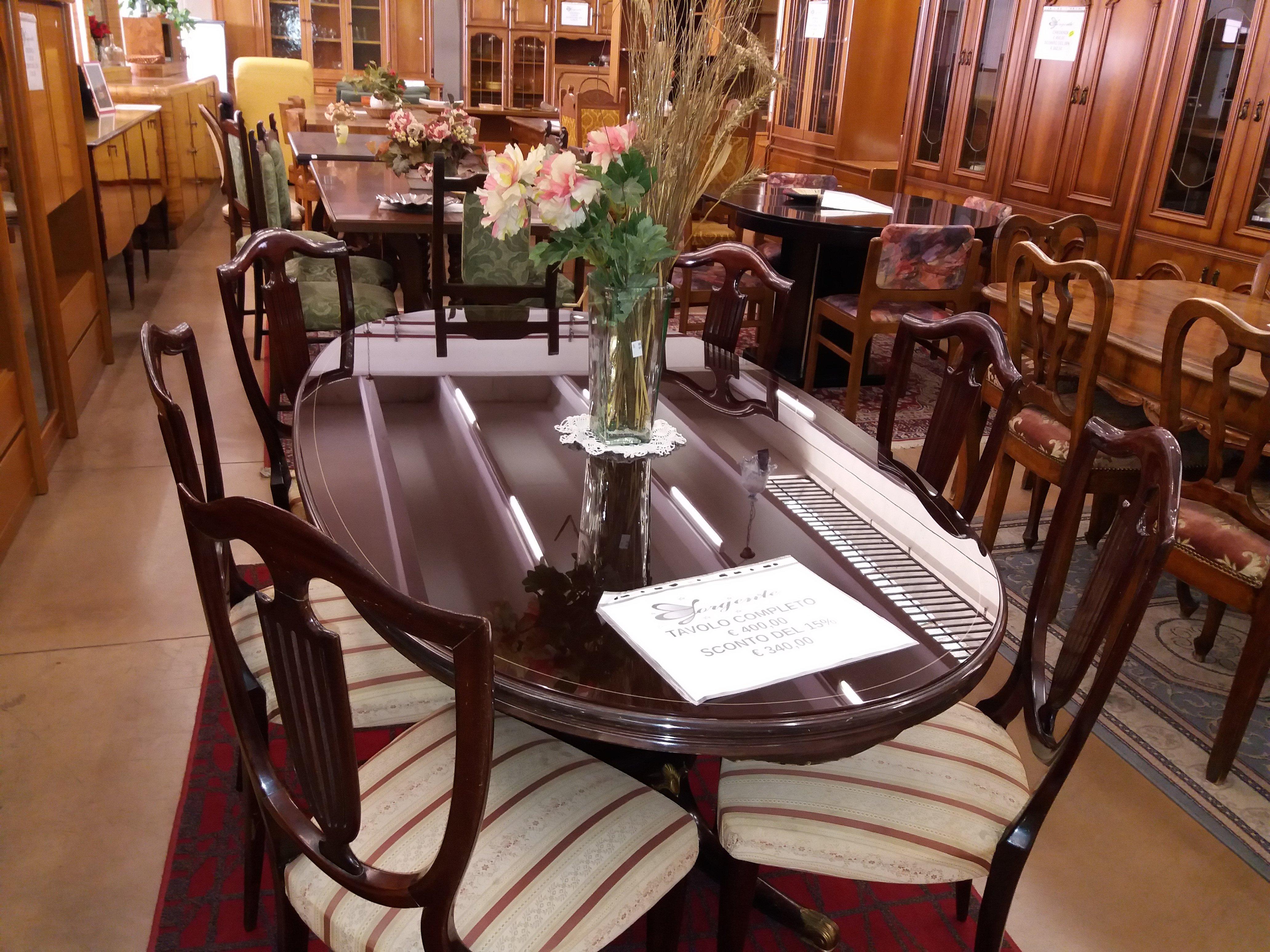tavolo completo di set 3