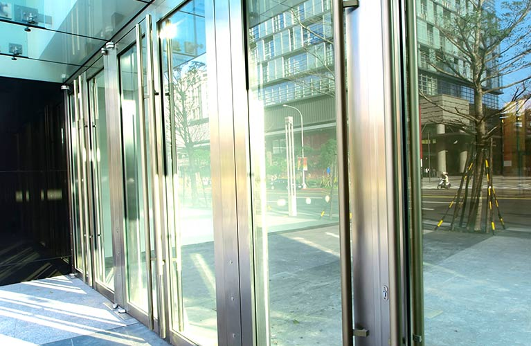 aluminium shopfront fabrications maintenance and installations of aluminium doors