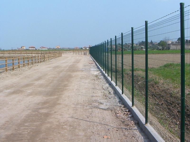 recinzione strada pubblica