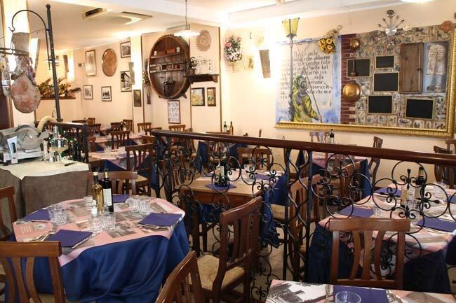 sala interna di un ristorante