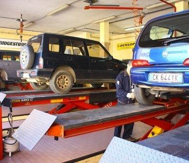 riparazione auto, manutenzione auto, revisione auto
