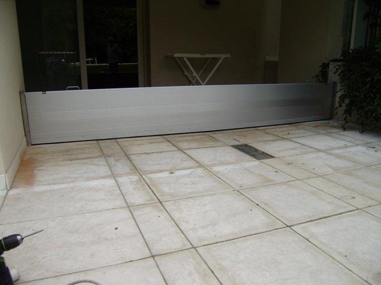 esterno garage con paratia