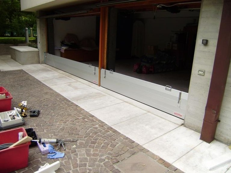 garage con paratia antiallagamento
