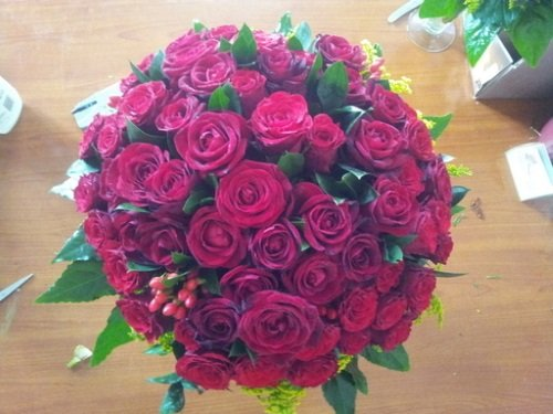 Un bouquet di rose rosse