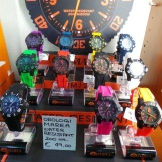 orologi colorati, pendoli antichi, negozio di torino