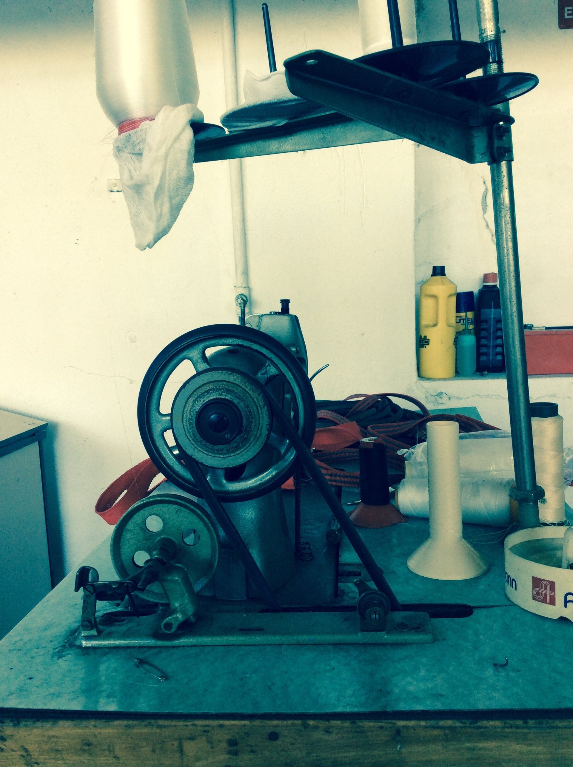 macchinario industriale per cuciture