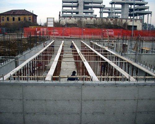 Interno di un edificio in costruzione