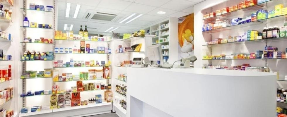 interno farmacia Abate