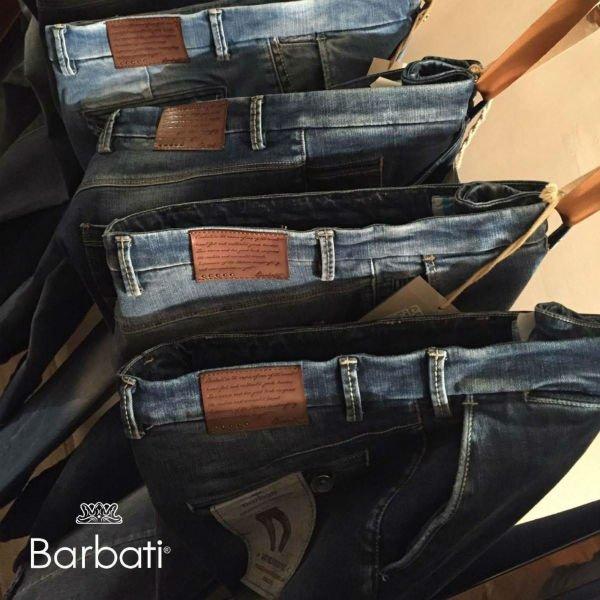 dei jeans della marca Barbati