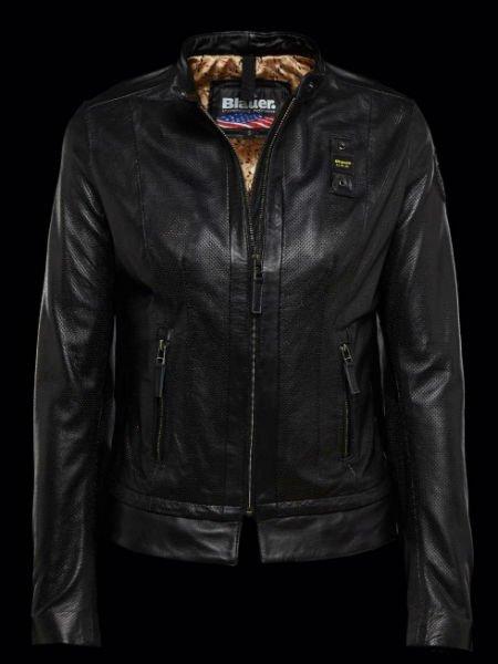 una giacca di pelle nera
