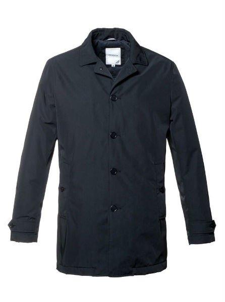una giacca di color nero