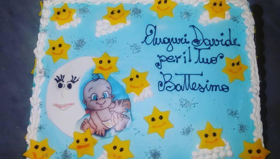 torta battesimo con neonato