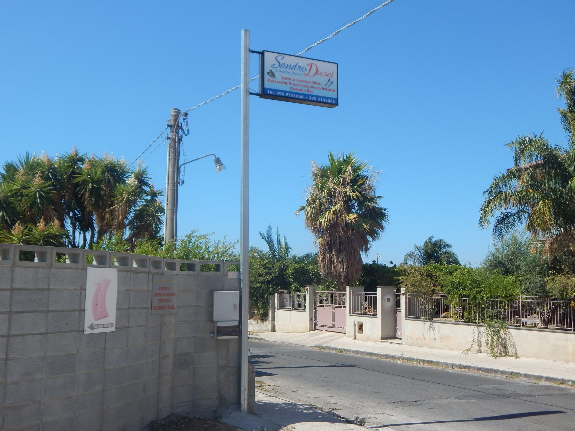 indicazione stradale per l'officina