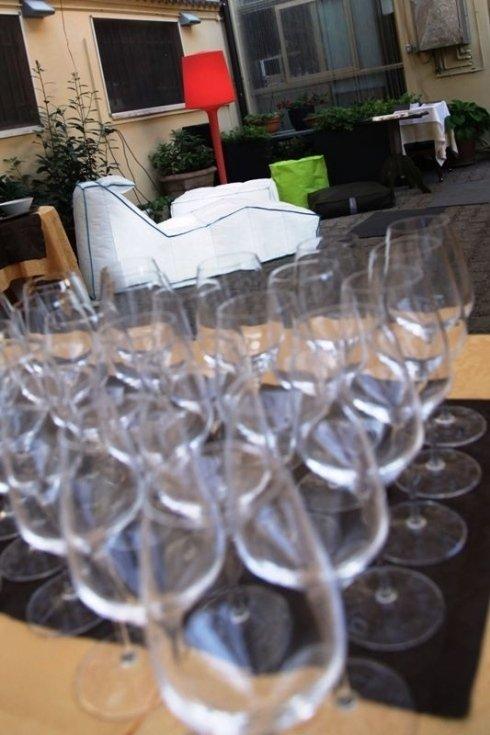 cocktail e vini pregiati al ristorante la colonna, ristorante la colonna location per aperitivi mostre eventi