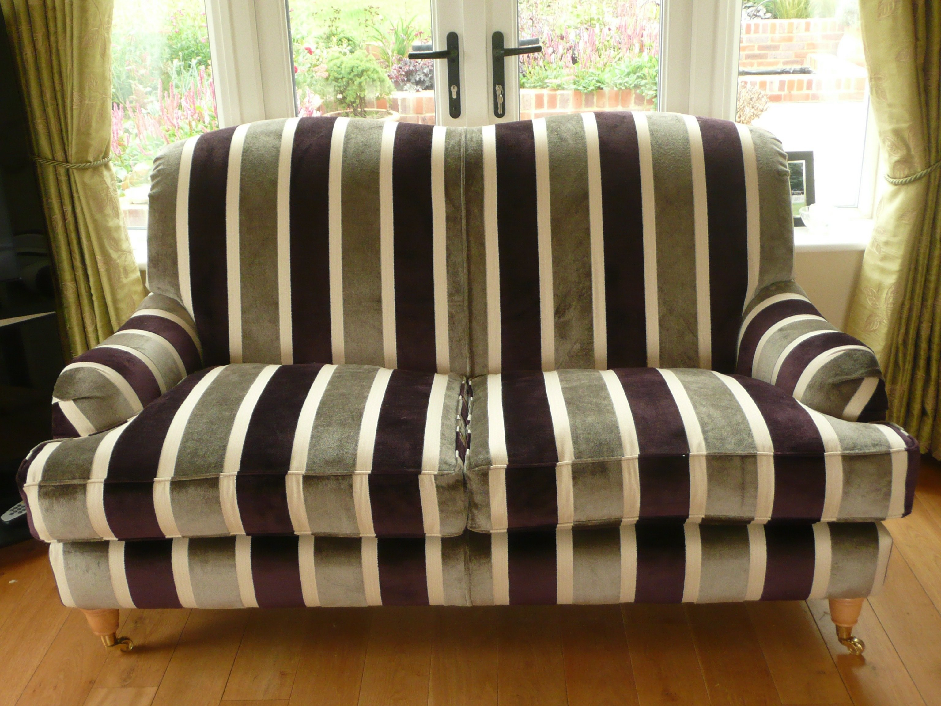 Sofa Upholstery Services Across Reading
