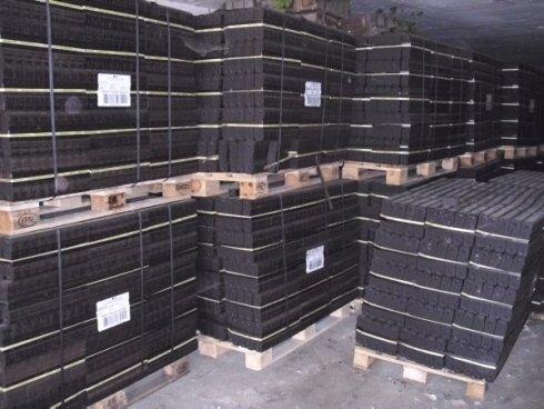 carbone di legna in pallet