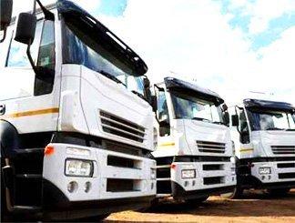 Camion da autotrasporto merci