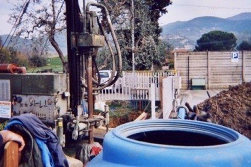 Messa in opera di cisterne e depositi per la raccolta dei liquidi.