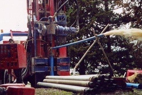 La ditta dispone di attrezzature per il pompaggio di acqua dal sottosuolo.