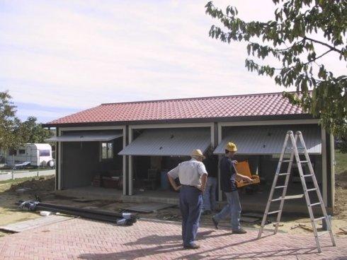 box coibentato con tetto 2 falde coppo