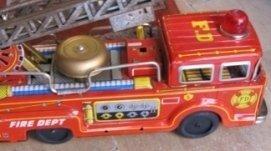 giocattoli antichi, oggetti di una volta, camion giocattolo