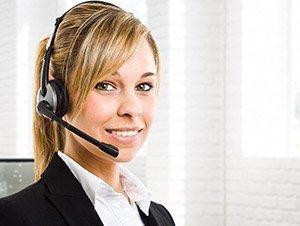 Impiegata addetta alla comunicazione con il cliente
