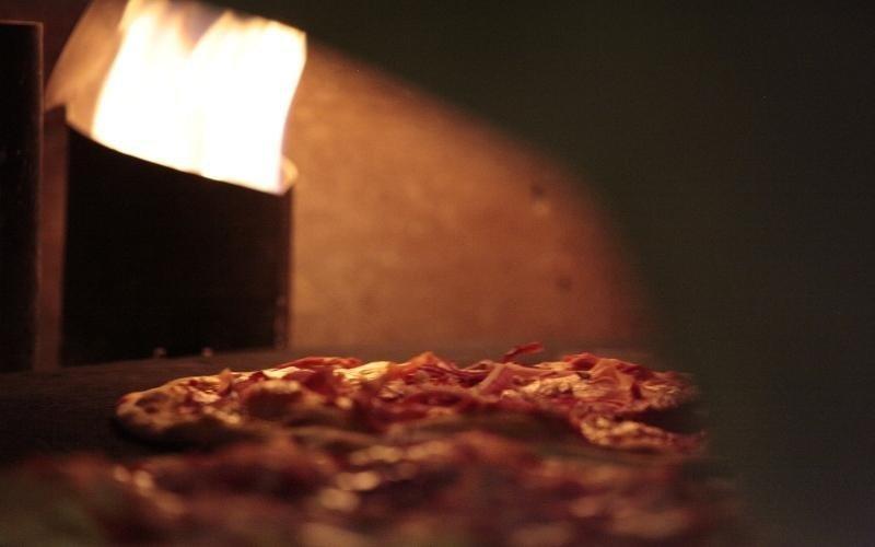 pizza in cottura