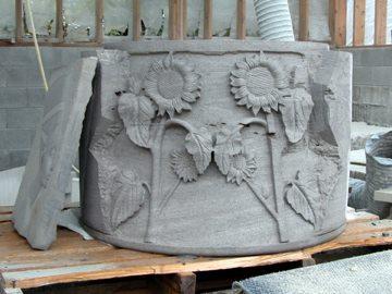 Sculpture of flowers