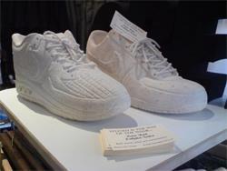 Sculpture of  shoes