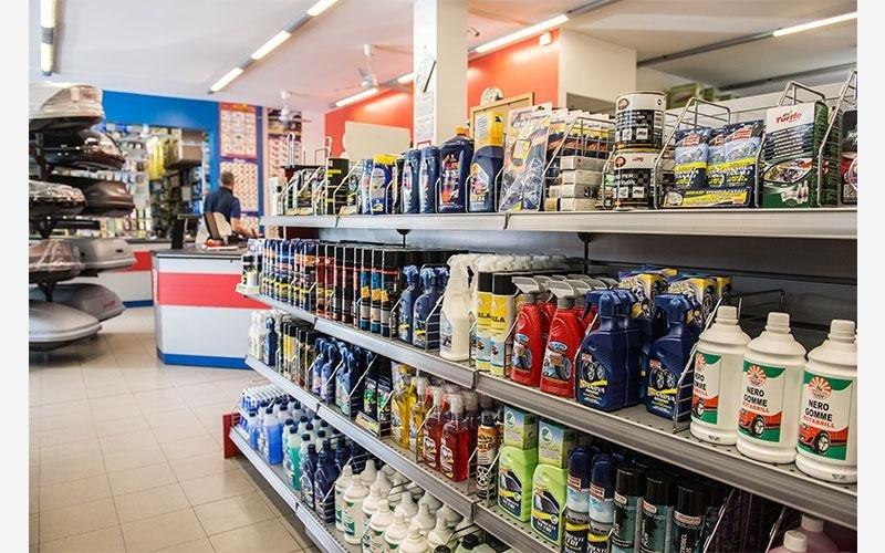 prodotti di pulizia per autoveicoli