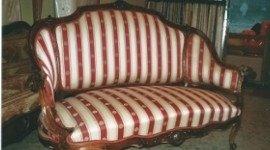 restauro divani, divano in tessuto, divano in stile