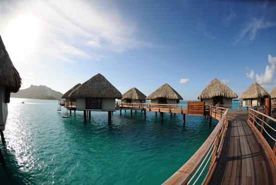 i bungalow over water