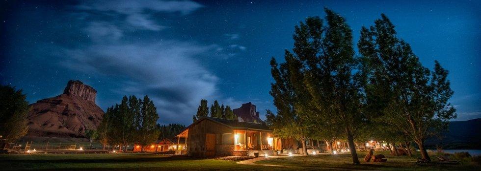 sorrel river ranch di notte