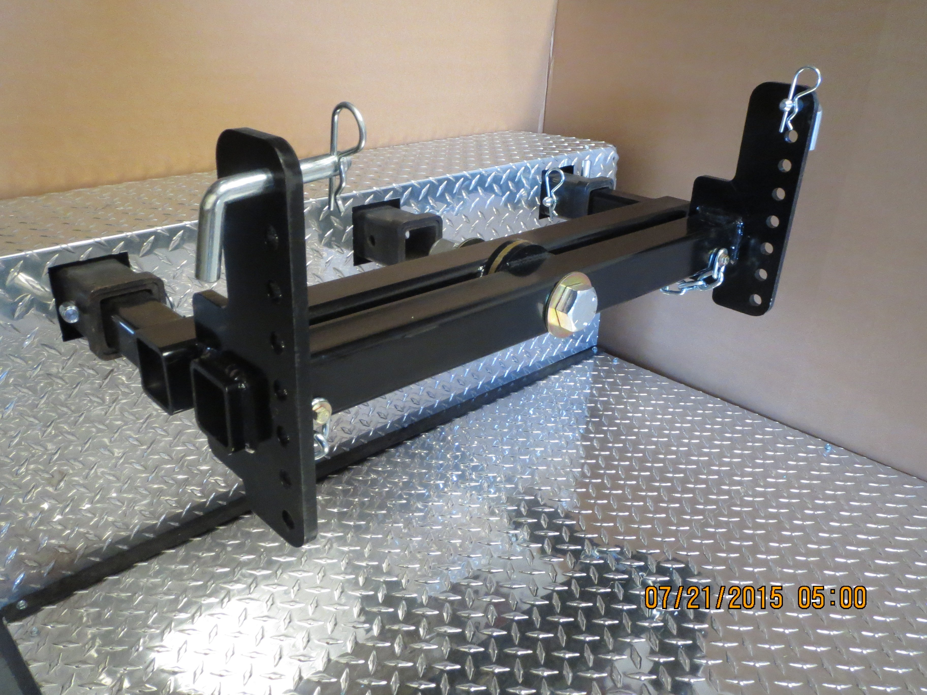 Swivelwheel Hitch Bar