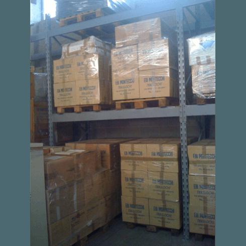Deposito mobili e materiali