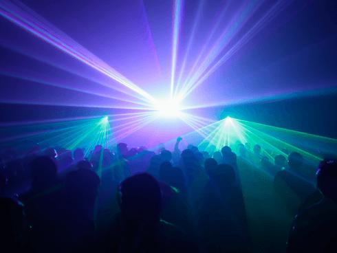 Volete prenotare un servizio luce per la buona riuscita di un evento? Affidatevi a FM Service.