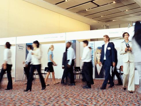 Si offrono servizi di supervisione eventi, meeting, fiere, mostre.