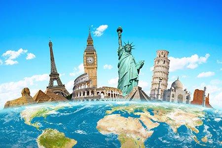 Monumenti famosi del mondo raggruppati sul pianeta Terra