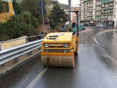 mezzi per asfaltatura
