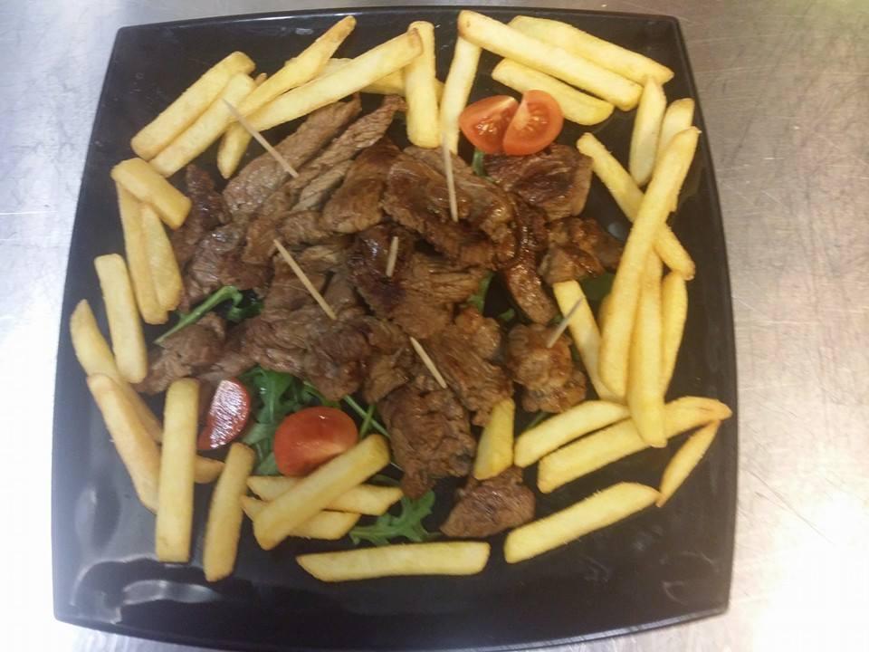 Carni alla griglia con patate