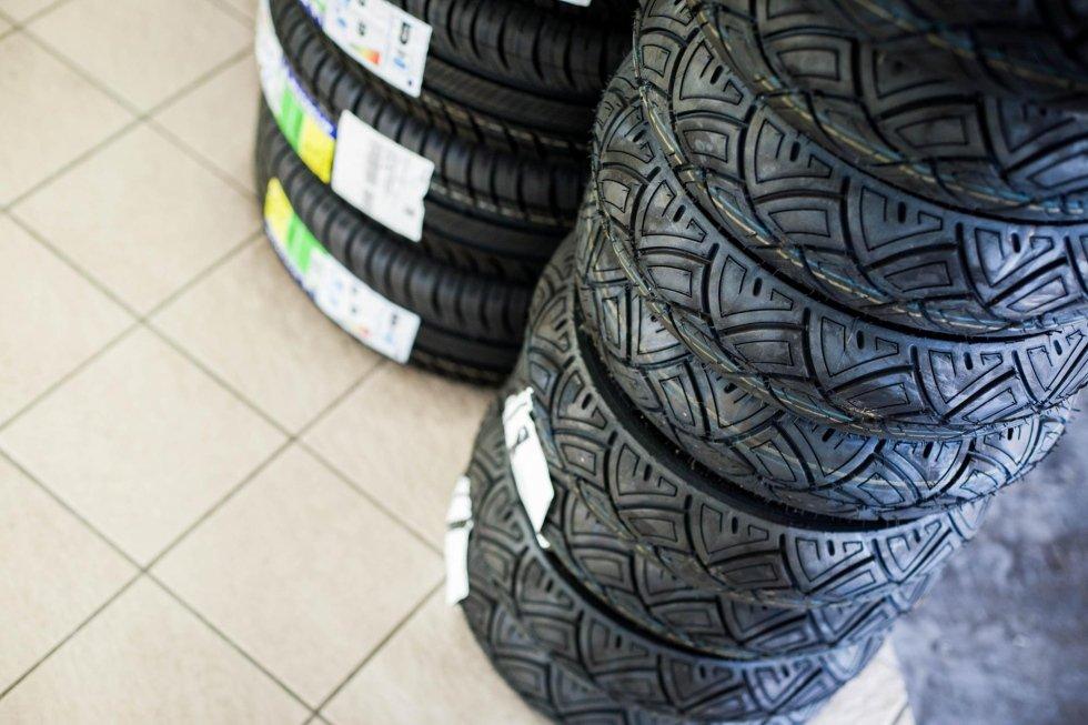pneumatici speciali per auto da corsa