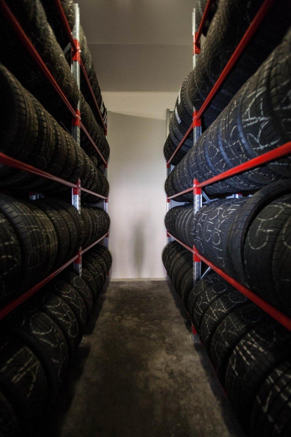 deposito pneumatici per auto