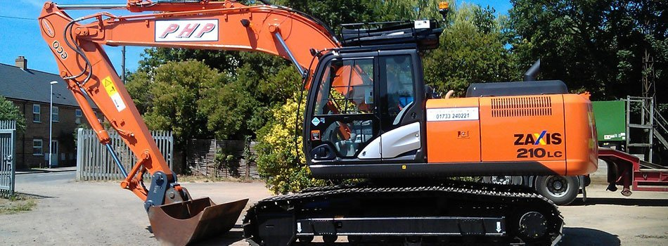 If you want to hire a digger in Peterborough call 01733 300 788