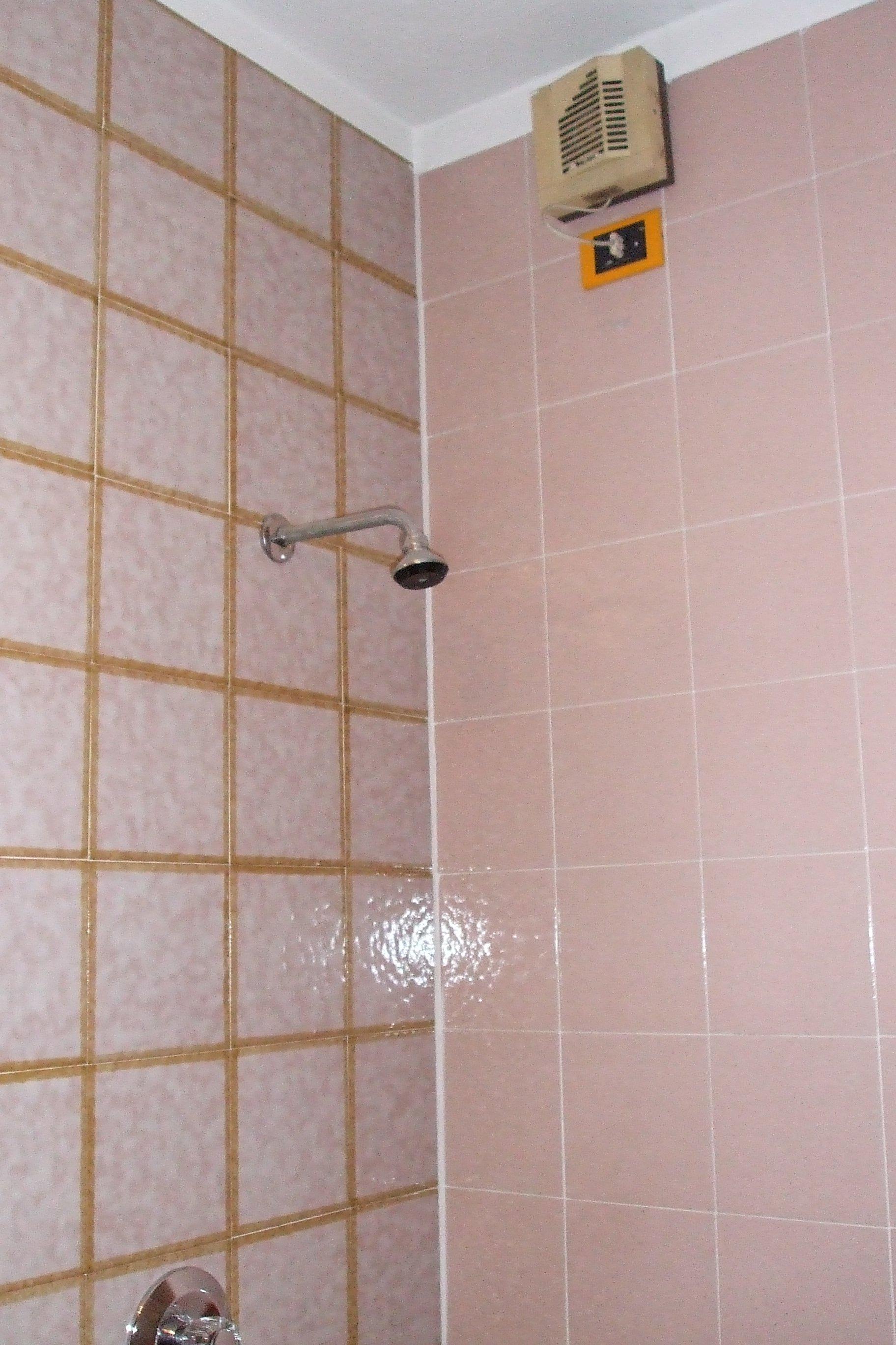 Box doccia piastrellato