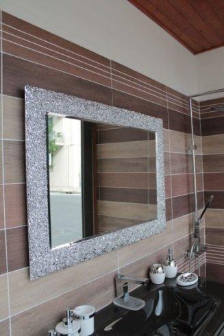 Specchio ed accessori bagno